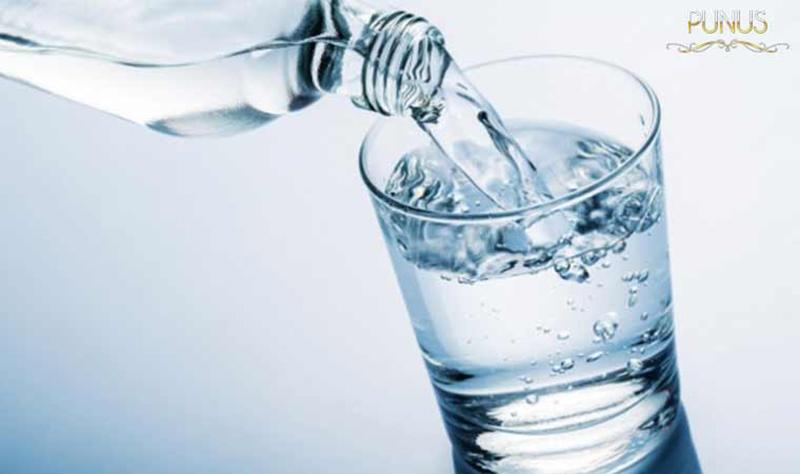 Uống nhiều nước trong kỳ kinh nguyệt
